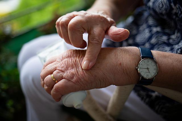 Will CBD oil help my arthritis? CBD oil for arthritis